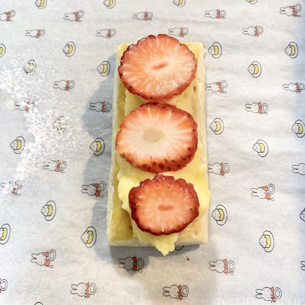 手作りケーキ いちご カスタードクリーム ミルフィーユ 簡単 時短 レシピ 作り方 オーブン フライパン 冷凍パイシート