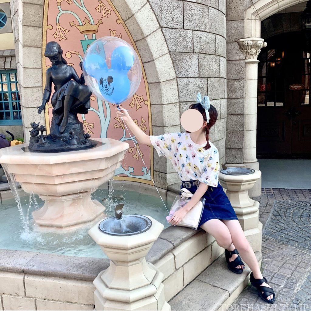 ミッキーバルーン 風船ディズニー ディズニーランド 再開後 バウンドコーデ インスタ映え 写真スポット ポーズ シンデレラ城