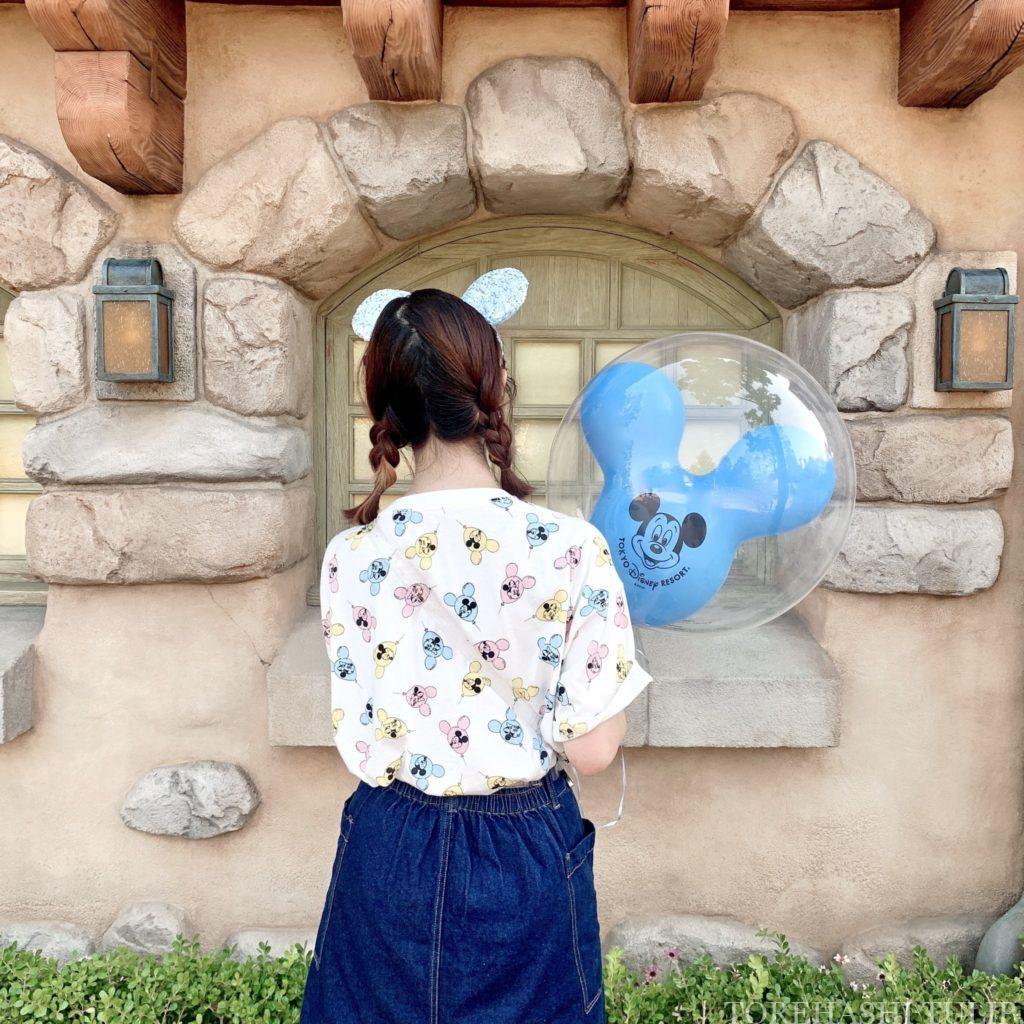 ミッキーバルーン 風船ディズニー ディズニーランド 再開後 バウンドコーデ ディズニーコーデ インスタ映え 写真スポット