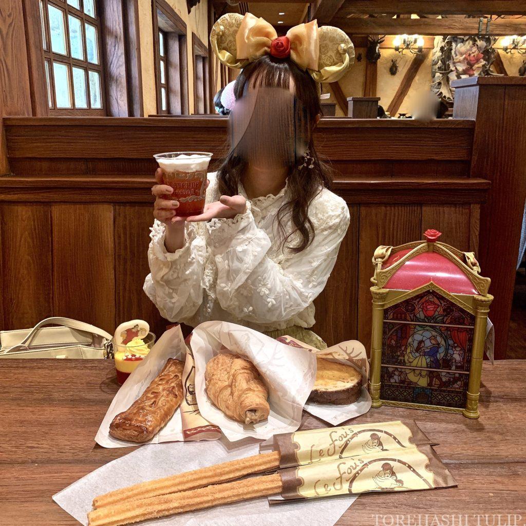 ディズニーランド 新エリア 美女と野獣 レストラン ラ・タベルヌ・ド・ガストン レストラン 予約  レビュー ガストンの酒場 メニュー 味 ドリンク ビール風 ベリーチアーズ