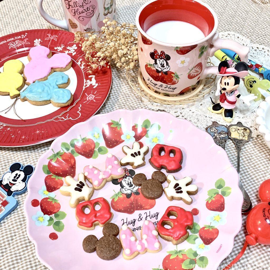 キャラクタークッキー 型抜きクッキー メレンゲクッキー 100均 ダイソー セリア 簡単 作り方 レシピ アイシング チョコペン