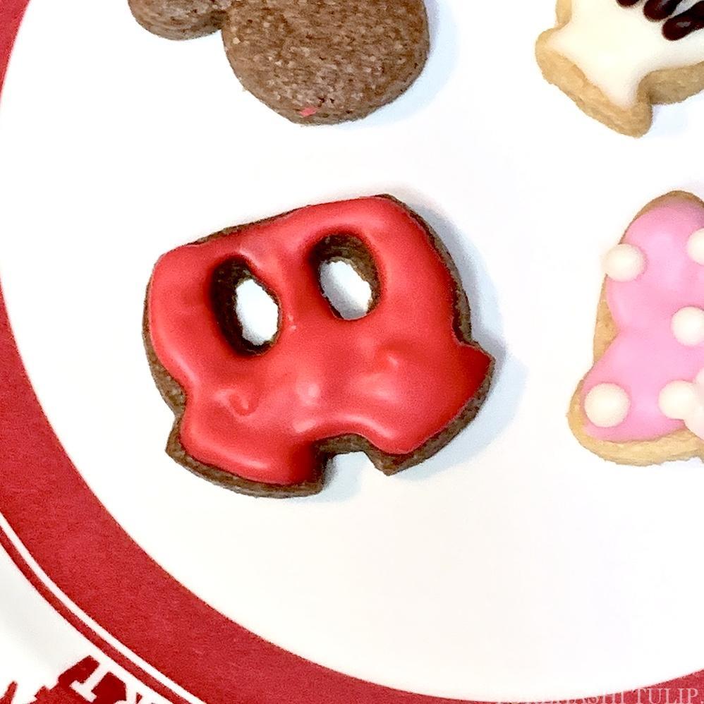 キャラクタークッキー 型抜きクッキー メレンゲクッキー 100均 ダイソー セリア 簡単 作り方 レシピ アイシング チョコペン ディズニー ミッキー パンツ 手袋