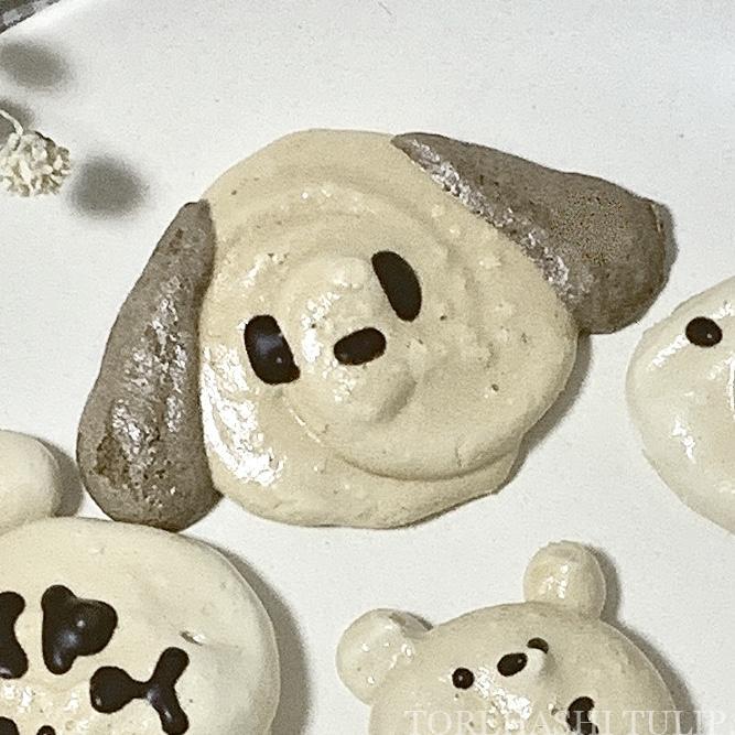 キャラクタークッキー 型抜きクッキー メレンゲクッキー 100均 ダイソー セリア 簡単 作り方 レシピ アイシング チョコペン ポチャッコ サンリオ 抜き型 メレンゲクッキー