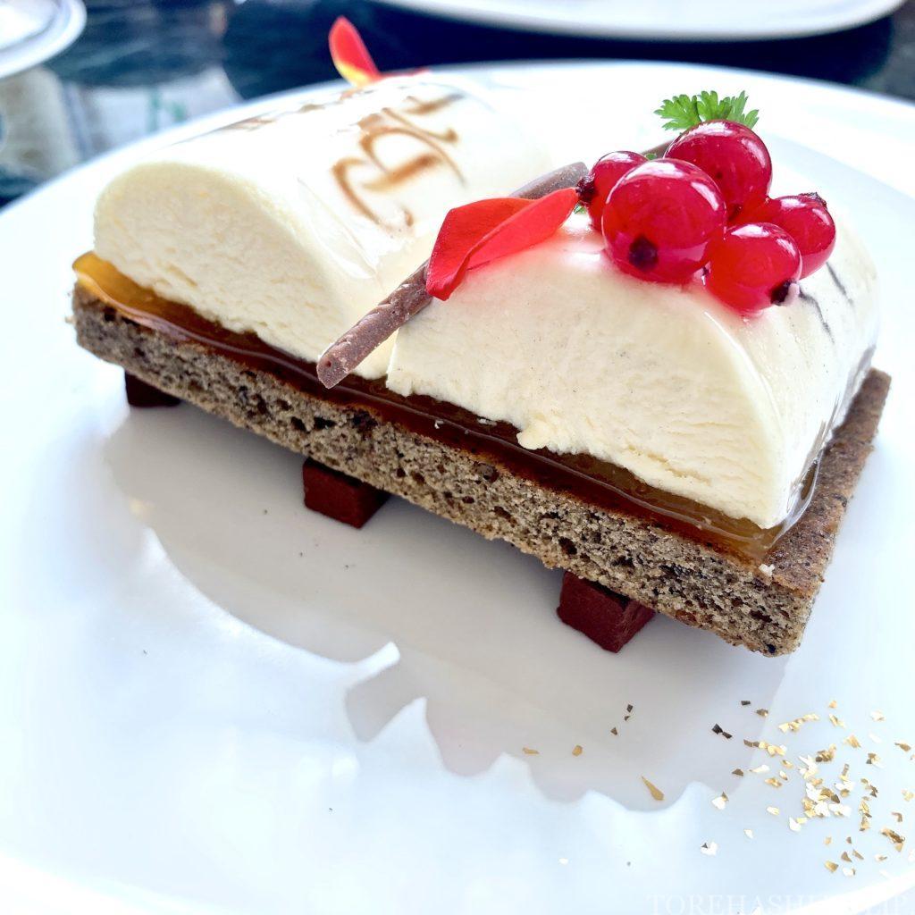 東京ディズニーランドホテル ドリーマーズ・ラウンジ プリンセスケーキセット 美女と野獣ケーキ ベルのケーキ 予約なし 味 チーズケーキ アールグレイ