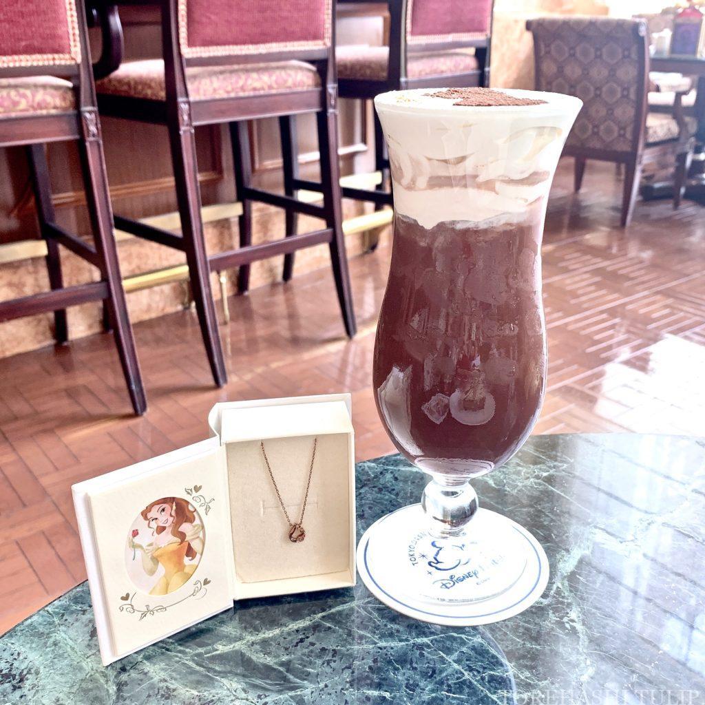 東京ディズニーランドホテル ドリーマーズ・ラウンジ プリンセスケーキセット 美女と野獣ケーキ ベルのケーキ 予約なし ベルのアイスカフェモカ オリジナルコーヒー 味