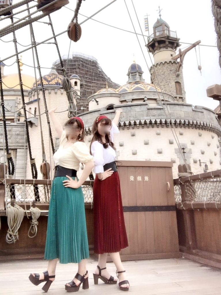 ディズニー コーデ バウンドコーデ キャラクターバウンド 春 夏 お洒落 可愛い インスタ映え カチューシャ ファンキャップ お揃い 双子 シミラールック 海賊 海賊バウンド